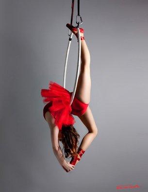 Orissa Kelly on a Firetoys Aerial Hoop. Copyright Orissa Kelly and Fresh Academy
